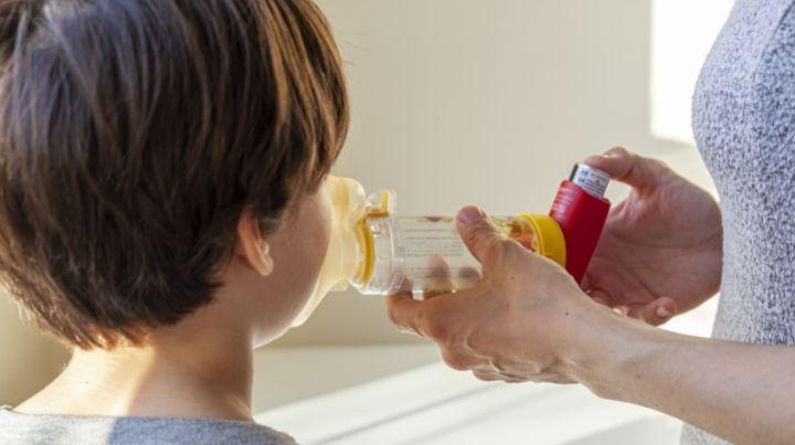 Child receiving a prescription breathing treatment